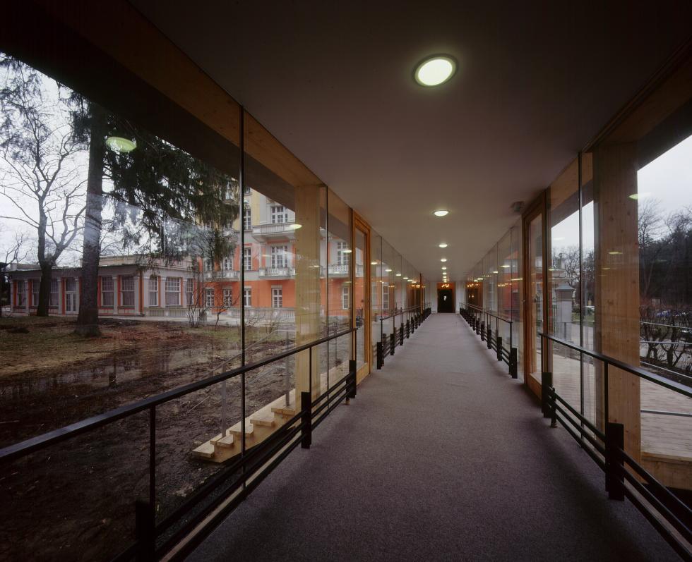 Spojovací chodba hotelu Pawlik